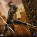 hot-toys-spider-man-black-gold-suit-sixth-scale-figure-spider-man-no-way-home-mms-604-img10