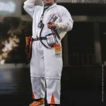 hot-toys-doc-brown-sixth-scale-figure-back-to-the-future-collectibles-mms-609-img04