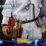 hot-toys-doc-brown-sixth-scale-figure-back-to-the-future-collectibles-mms-609-img14
