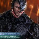 hot-toys-carnage-deluxe-version-sixth-scale-figure-venom-let-there-be-carnage-img01