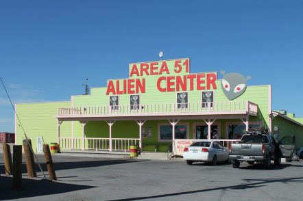 STORM AREA 51: THE MEME THAT BECOMES AN EVENT ON A GLOBAL SCALE