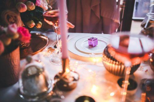 festa natale tavolo regali