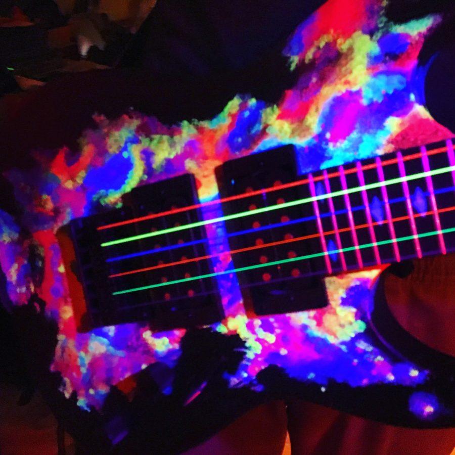 Tom's Selec - guitare fluo