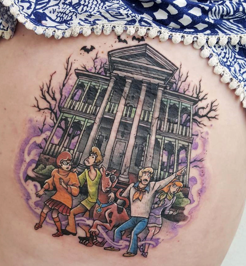 Angela Bailey geek peau best of tattoo scoobydoo