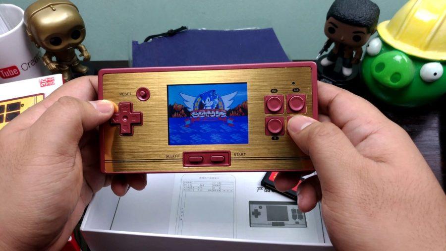 Tom's Selec - console retro portable