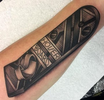 Sam geek dans la peau best of tattoo back to the future