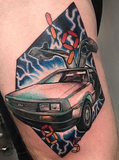 Stef Neale geek dans la peau best of tattoo back to the future