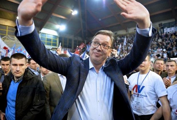 Photo of VUČIĆ: Posle izbora povećanje plata, i nećemo krasti!