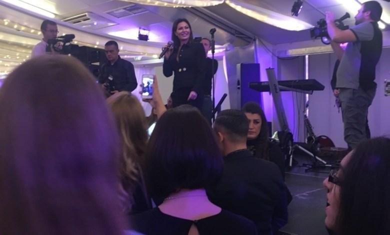 Photo of CECA ZAPALILA BEČ: Studenti i profesori uživali u Cecinim hitovima (VIDEO)