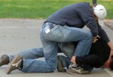 Photo of POČEO NAROD DA IH BIJE: Javni izvršitelj u Beogradu dobio batine tokom iseljenja