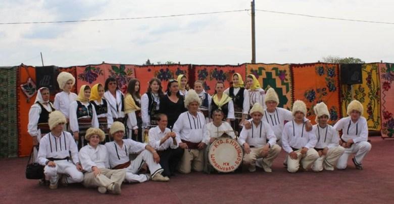 Photo of VEČE NARODNE IGRE I PESME: Najlepše vlaško kolo igra se u Topolovniku (FOTO)