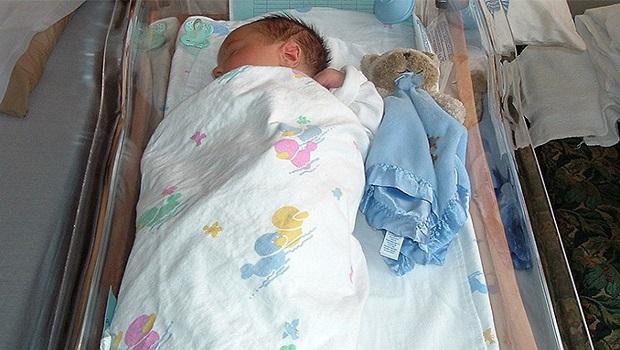 Photo of POLICIJA I DALJE TRAGA ZA MAJKOM: Promrzla beba ostavljena kod Kučeva dobila pravo ime!