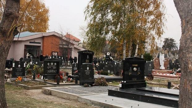 Photo of NOVA PRAVILA ZA SAHRANJIVANJE U POŽAREVCU: Pokojnik ne može sa nakitom i drugim dragocenostima u grob!