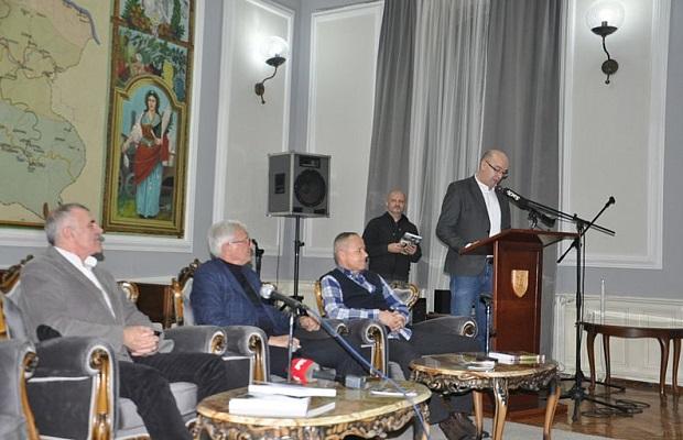 "Photo of ""Derbi"" Dragiše Kovačevića promovisan u Svečanim salonima u Požarevcu (FOTO)"