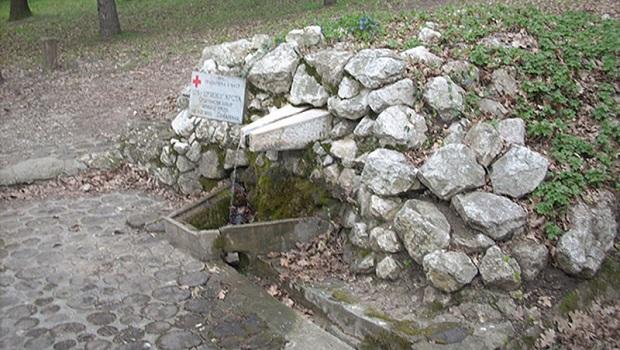 Photo of POŽAREVLJANI PIJU ZAGAĐENU VODU: Od 20 javnih česmi ispravna voda za piće samo na osam
