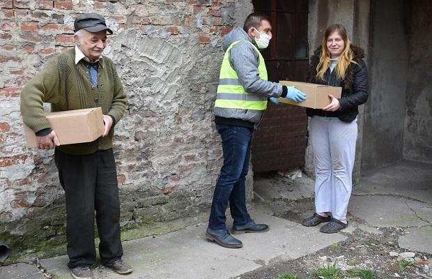 Photo of Počela podela higijenskih paketa za korisnike usluge Narodne kuhinje u Požarevcu