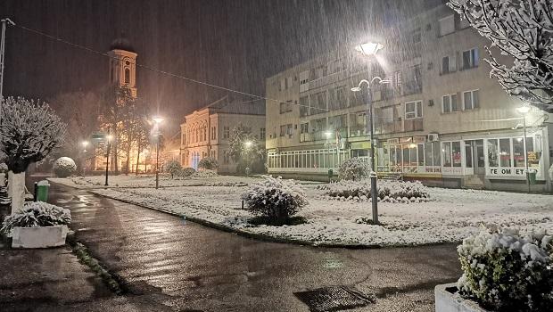 Photo of DOŠLA BABA MARTA: Sneg pokrio Srbiju, padaće čitav dan, jutro u minusu!
