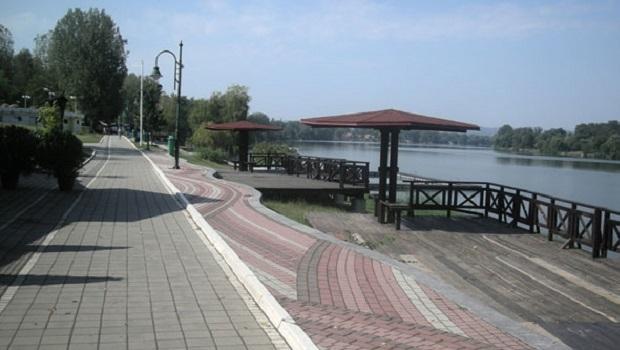 Photo of BEŽANIJA ZBOG IZOLACIJE: Beograđani za Prvi maj masovno pohrlili na Srebrno jezero