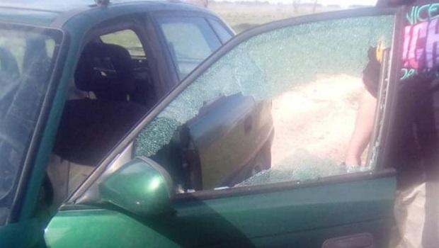 "Photo of POČEO FINALNI OBRAČUN: Aktivisti SNS-a oštetili automobil člana ""Dveri"" iz Busura? (VIDEO)"