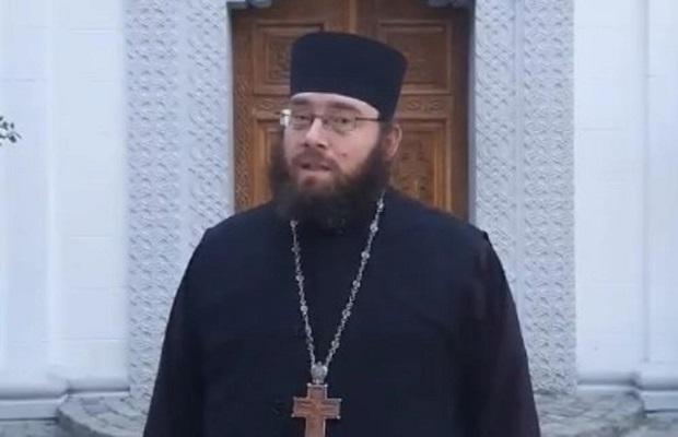 Photo of GOLUBAČKI OPŠTINARI POKUŠALI DA GA RUŠE: Bratstvo manastira Tumane pomaže bolnicu u Požarevcu (VIDEO)