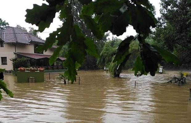 Photo of TUGA: Poplavljena čuvena turistička destinacija – Krupajsko vrelo kod Žagubice