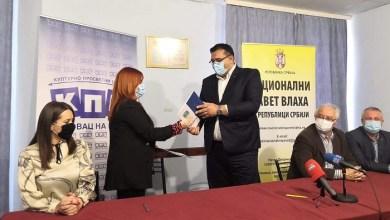 Photo of VLASI OPLEMENJUJU DRŽAVU: Nacionalni savet Vlaha potpisao sporazum o saradnji sa KPC Petrovac na Mlavi
