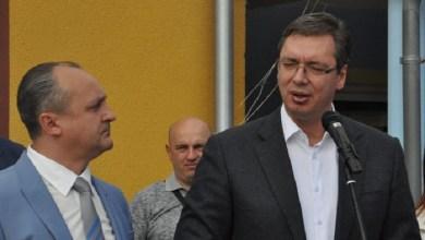 """Photo of DA LI ĆE SE PELCOVATI U ŽAGUBICI? Vučić već pet puta najavljuje sopstvenu vakcinaciju, ali nikako da """"zavrne rukav"""""""