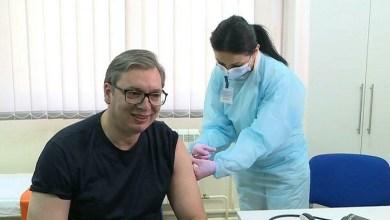 Photo of NIJE NI OSETIO: Vlajna pelcovala Vučića prvom dozom korona vakcine! (VIDEO)