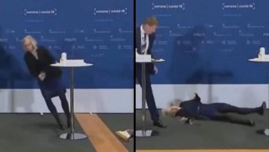 Photo of UZNEMIRUJUĆI SNIMAK! Direktorka najavila obustavu vakcinacije AstraZenekom, a onda se samo srušila! (VIDEO)