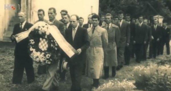 Iz filma 'Čuvari bleiburške tragedije', Nikica Martinović u prvom redu zdesna