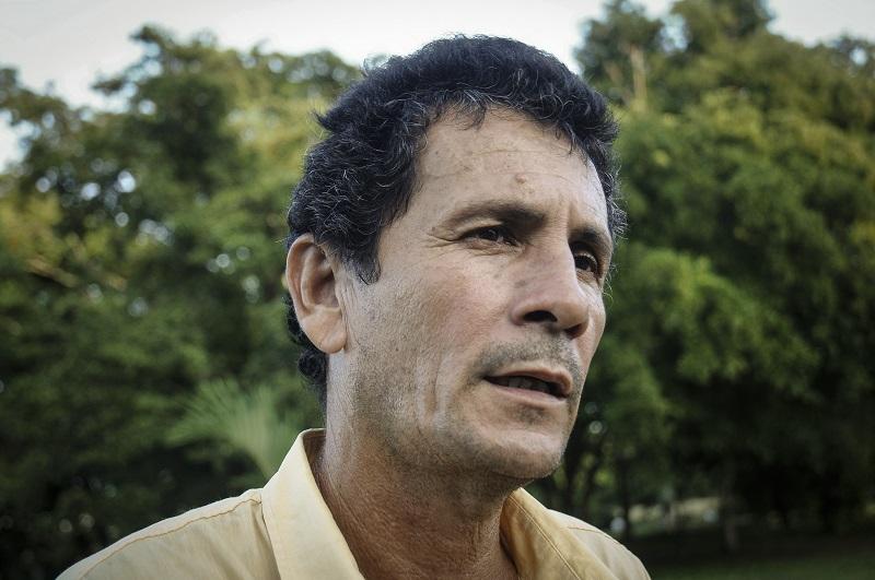 Antonio Espinosa Martínez es un estudioso de la figura martiana y atiende solícito a cualquier visitante que llega hasta Dos Ríos en busca de respuestas. | foto: René Pérez Massola