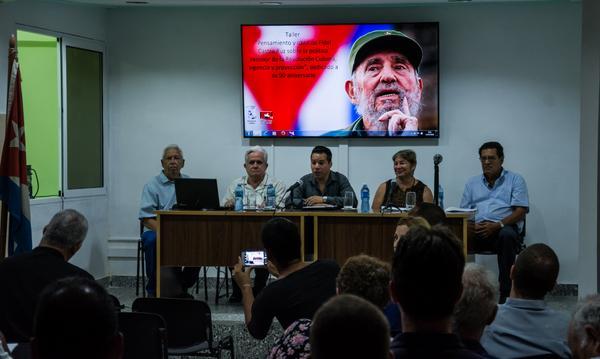 Taller ¨Pensamiento y obra de Fidel Castro Ruz sobre la política exterior de la Revolución Cubana, vigencia y proyección¨, en el Centro de Investigaciones de Política Internacional (CIPI), en La Habana, el 13 de julio de 2016. ACN FOTO/Marcelino VAZQUEZ HERNANDEZ
