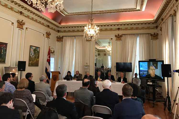 Reclaman pruebas a EE.UU. sobre caso de diplomáticos en Cuba