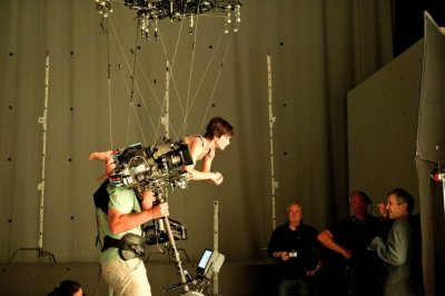 la-et-mn-backstage-on-set-gravity-20140212-003