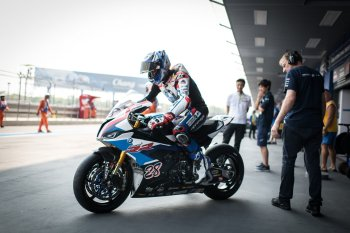 Getting to grips with the brand-new BMW S 1000 RR