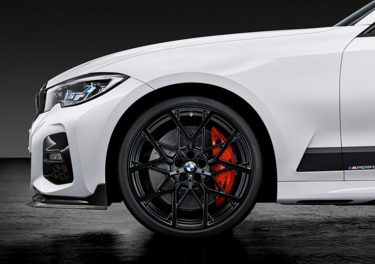 The new BMW 3 Series Touring with M Performance Parts
