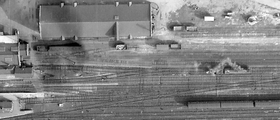 In this photograph the Yard Box is near the left edge of the picture. A passenger locomotive on the goods line is about to back into the engine spur - see the next photograph.