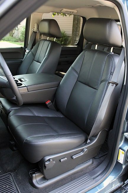 2011 Chevrolet Silverado HD Review front seats