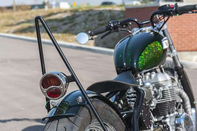 Motorbike-Triumph-Bobber-custom-15