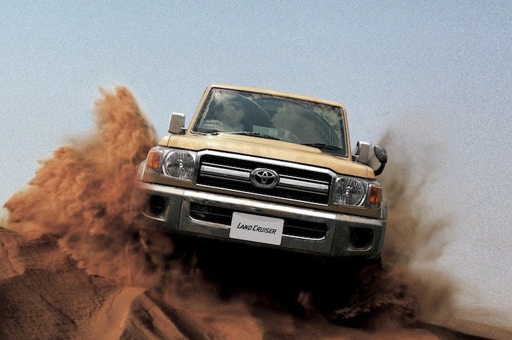 2015-toyota-land-cruiser-70