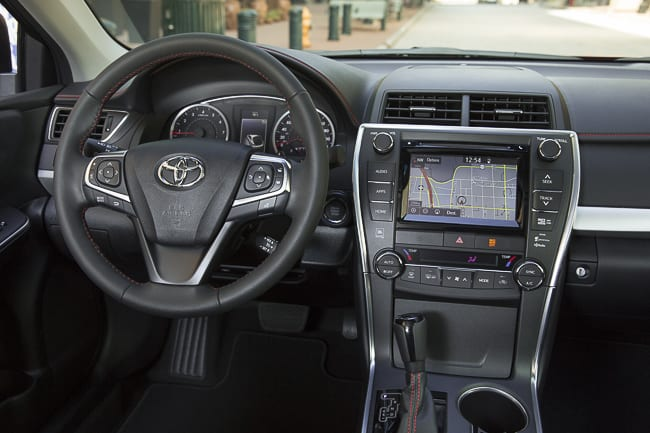 2015-toyota-camry-review (18 of 25)