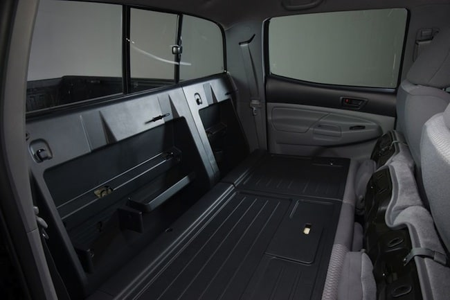2015_Toyota_Tacoma_V6_4dr_Double_Cab_4WD-seatsdown