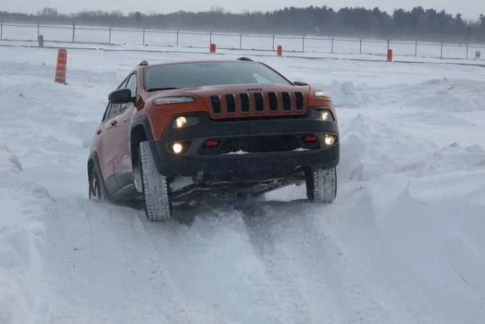 2015 fca canada winter driving_pw-016