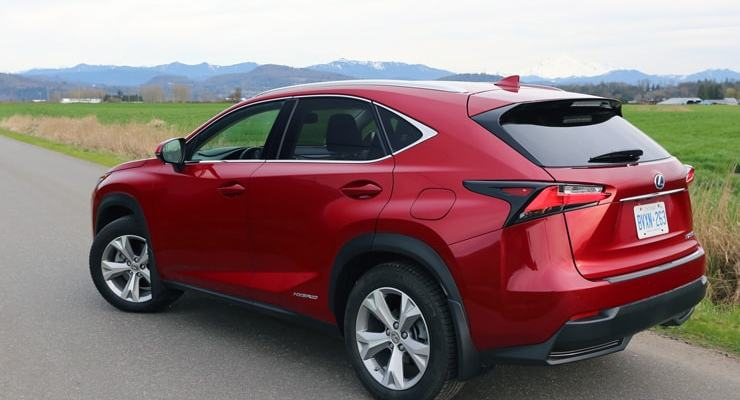 Lexus_NX300h_RearAngle1