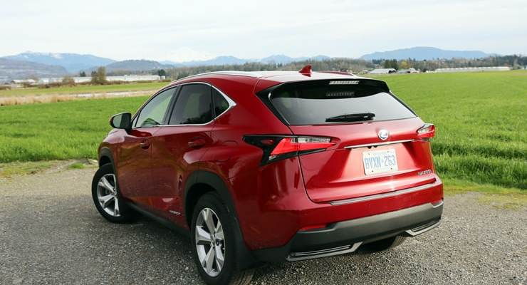 Lexus_NX300h_RearAngle2