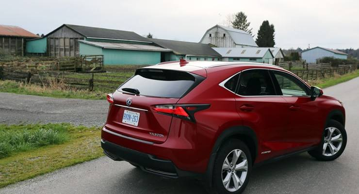 Lexus_NX300h_RearAngle3
