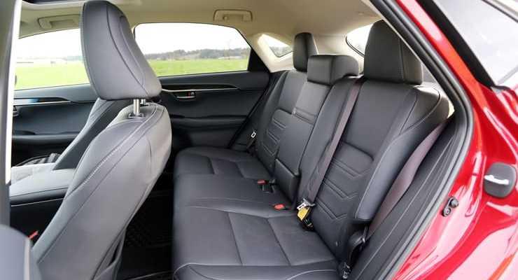 Lexus_NX300h_RearSeats