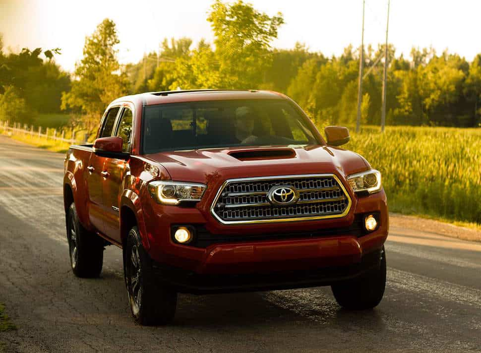 toyota-2017-tacoma-4×4-access-cab-v6-trd-off-road-barcelona-red-metallic-l