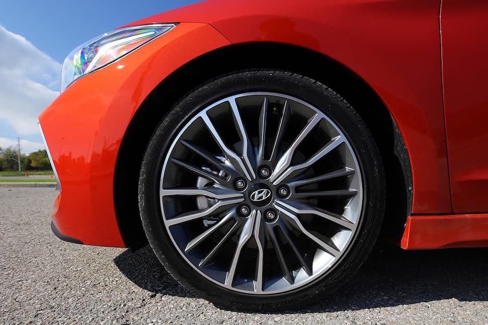 2017 Hyundai Elantra Sport Review -13