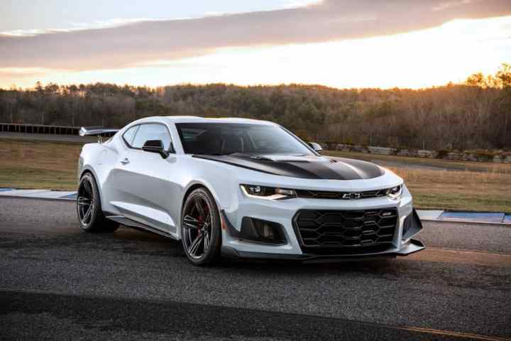 Track-Ready: New 650-hp 2018 Chevy Camaro ZL1 1LE Unveiled